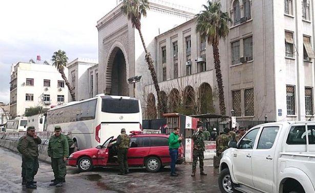 Sube a 43 la cifra de muertos en atentado suicida en Palacio de Justicia de Damasco