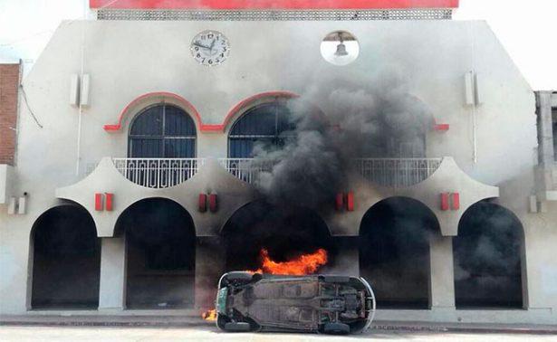 Manifestantes queman alcaldía de Ocozocoautla, Chiapas