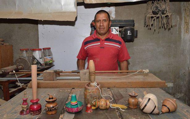 Sobreviven artesanos de juguetes tradicionales
