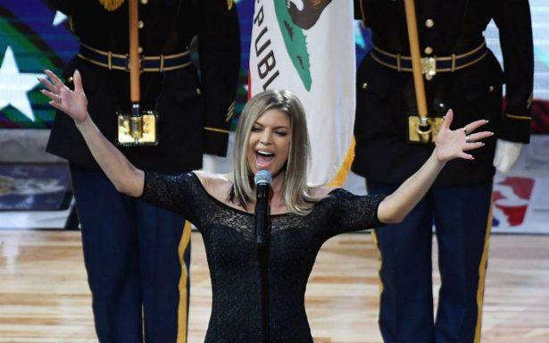 Tunden a Fergie por destrozar himno de EU en Juego de las Estrellas de la NBA