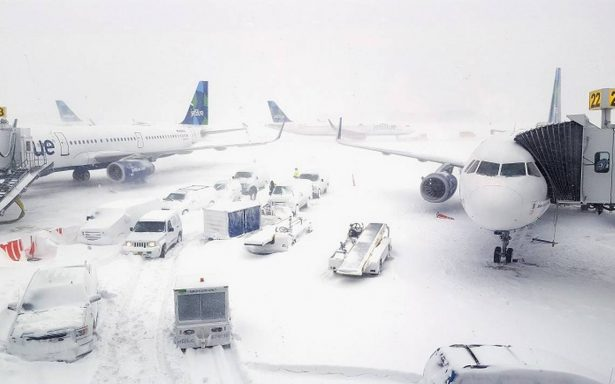 Estas aerolíneas de México cancelaron sus vuelos hacia Nueva York por tormenta invernal