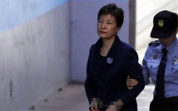 Expresidenta surcoreana condenada a 24 años de prisión por corrupción