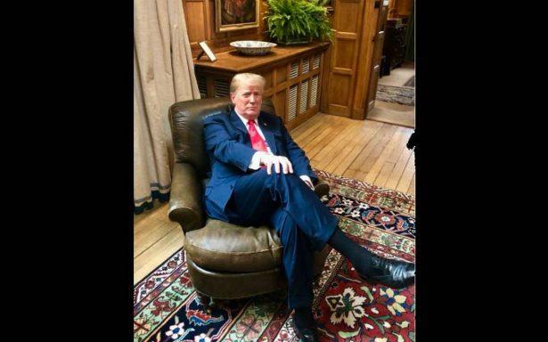 Donald Trump despierta la furia posando arrogantemente en el sillón de Winston Churchill