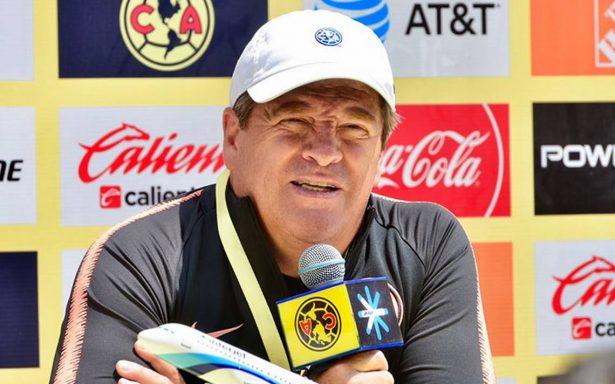 Miguel Herrera destaca que el futbol siempre ha sido un deporte de contacto