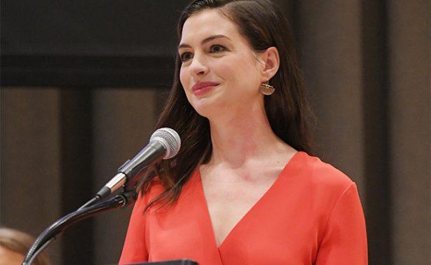 Para liberar a la mujer, debemos liberar al hombre: Anne Hathaway
