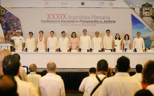32 procuradores contra la memoria de los 43 de Ayotzinapa; rechazan crear comisión de la verdad