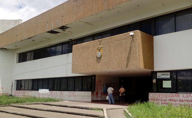Abren oficinas del gobierno en Tapachula tras vandalismo