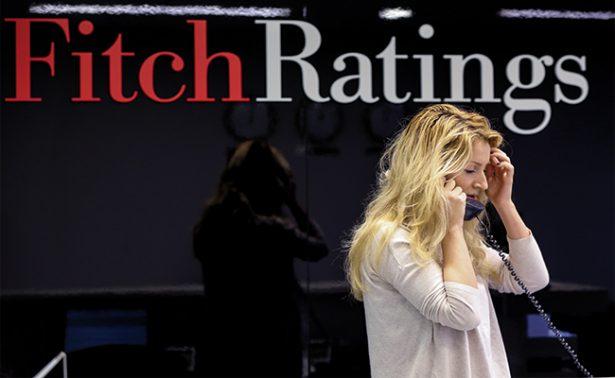Fitch ve menos riesgo en México para pagar por adquisición de deuda pública