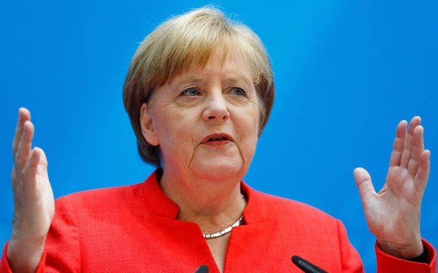 Merkel asegura que ya se buscan soluciones al flujo migratorio en Alemania