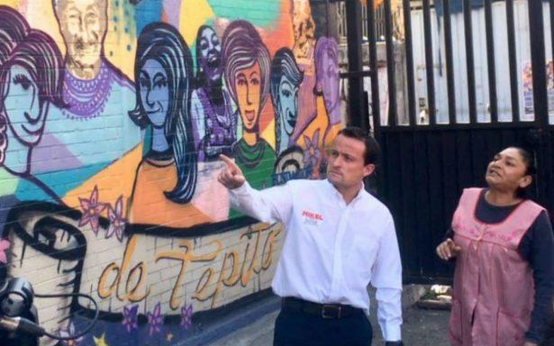 Mikel Arriola visita Tepito y se reúne con la 'Reina del Albur'
