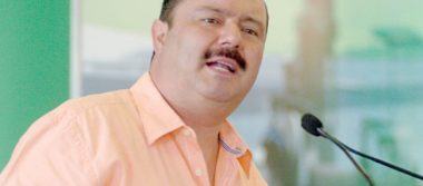 PGR pide ficha roja a Interpol para César Duarte