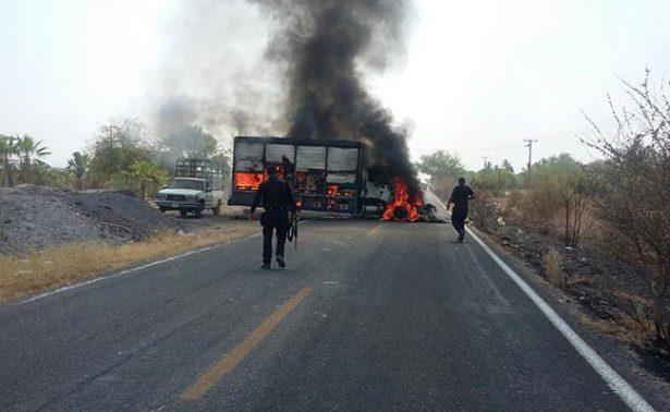 """""""Los Viagras"""" queman vehículos tras captura de sus integrantes"""