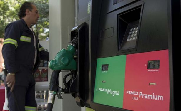 Precios de gasolinas suben un centavo; Magna, hasta en 16.55 pesos este miércoles