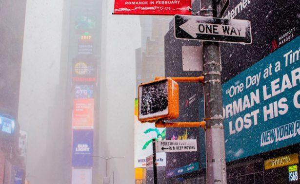 Cancelan miles de vuelos ante la peor tormenta del año en Nueva York