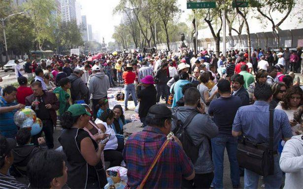 Manifestantes complican tránsito en el centro de la Ciudad de México