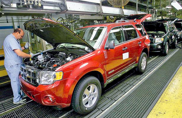 Invertirá Ford mil 200 mdd en tres plantas de producción en EU