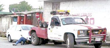 Decomisan vehículos a traficante de gasolina