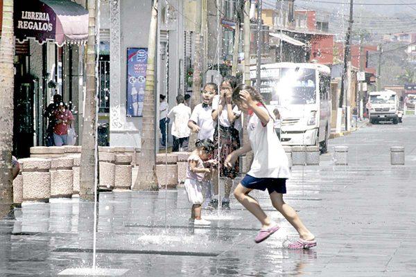 Intensa oleada de calor impactará en la zona centro
