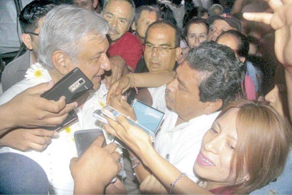 Lamenta AMLO muerte  de Ricardo Monlui