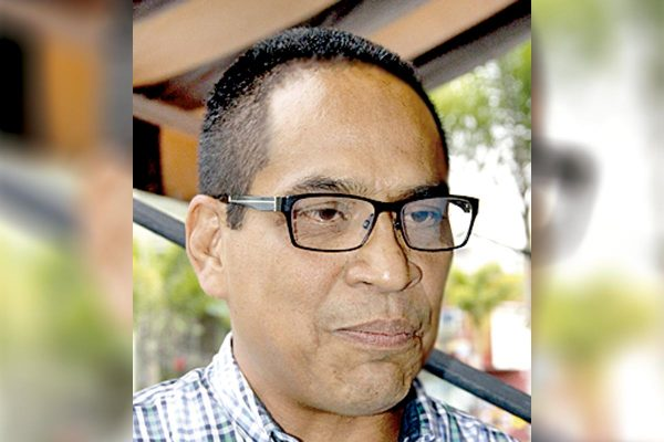 Sin sueldo 1,500 catedráticos de UPAV desde hace un año