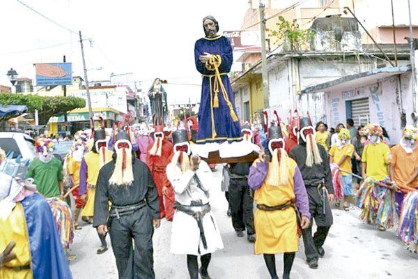 Angelica Peña respeta y apoya tradición de los judas
