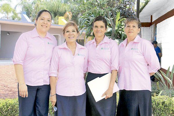 Loable labor de damas altruistas