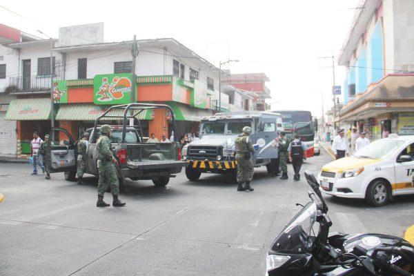 Panamericana se estrella contra unidad de militares