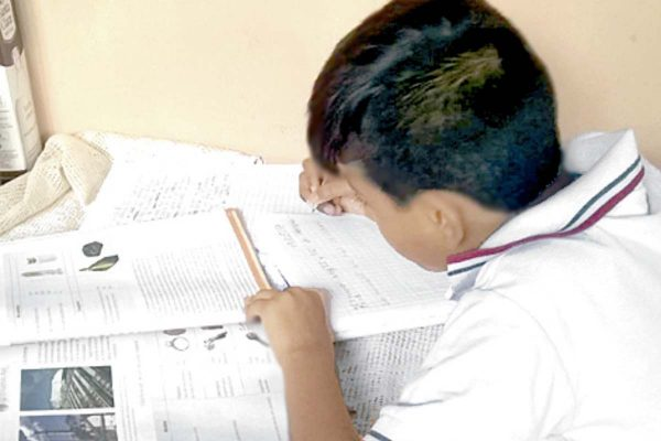 Unión de Padres analizará contenido de libros de texto