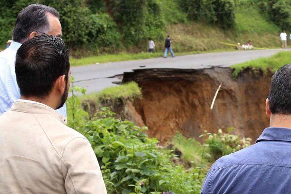 Socavón en San Nicolás será reparado en 15 días