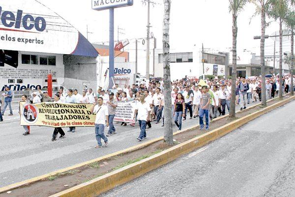 Nueva manifestación de la CRT; apoyan a trabajadores despedidos de 3M