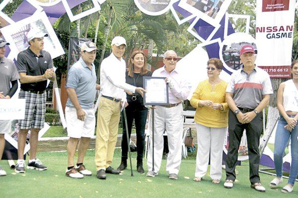 Arrancó el anual  de  Golf  Mulatt