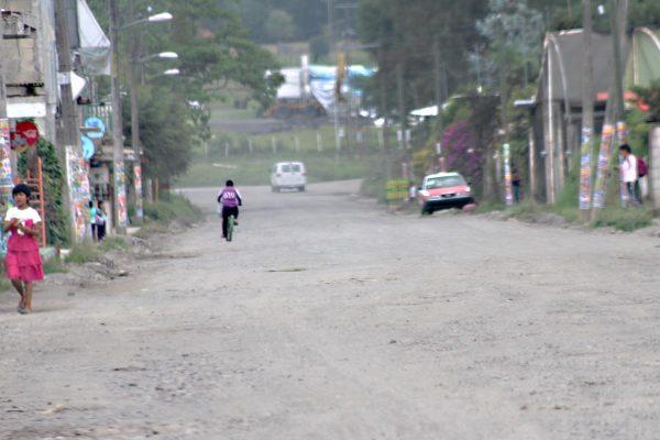 A medias dejaron reparación de carretera Cosco-Ixhuatlán