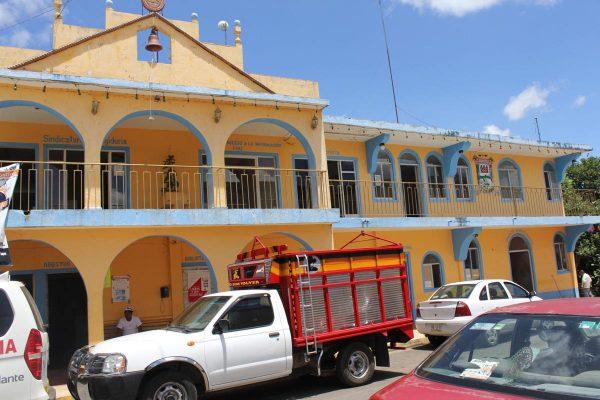 Denuncian exempleados  al ayuntamiento  de Tenampa