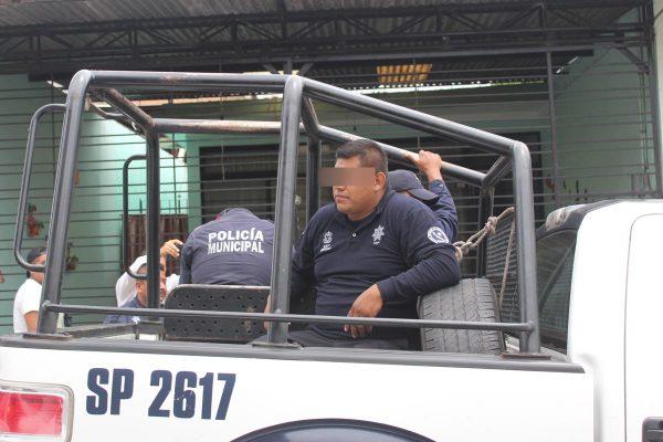 Entrega exdirector comandancia de policía