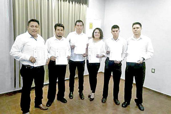 Más de mil profesionales egresaron de la UPAV