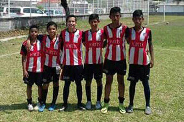 Jóvenes de Padelma, sólida  base del Deportivo Fortín