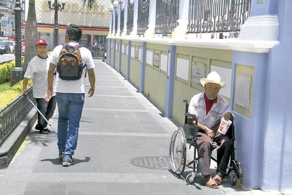 Aumentan demanda de sillas de ruedas en DIF