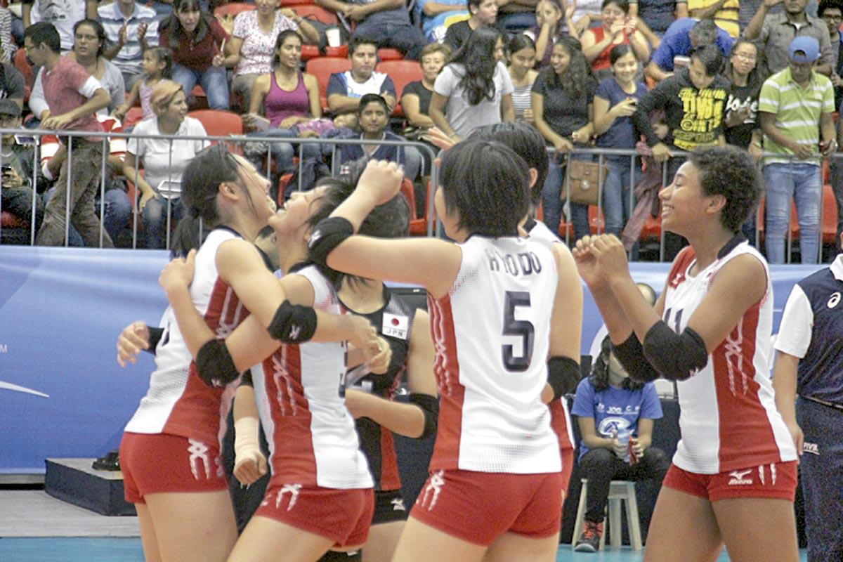 China se mostró como una máquina de jugar al voleibol y dio cuenta de Bulgaria en el segundo duelo de la tarde ayer en la Arena Córdoba.