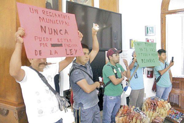 Ambulantes protestaron en Cabildo