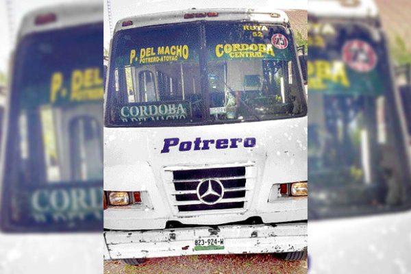 Arrolla autobús a  mujer en Potrero