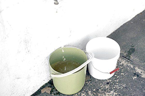 Sin agua, en el conjunto habitacional de la 23