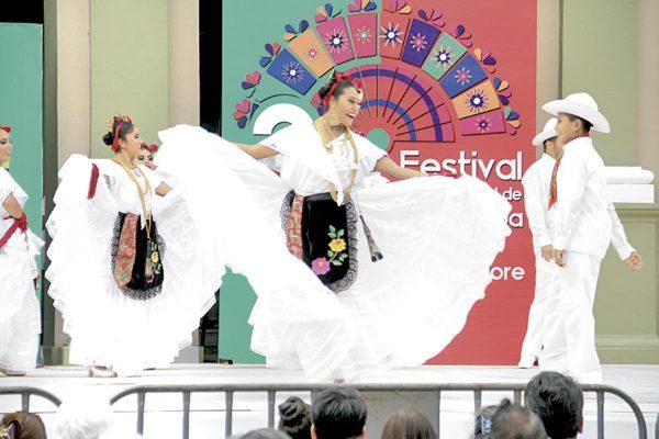 Alistan Cuarto Festival Internacional del Folclore