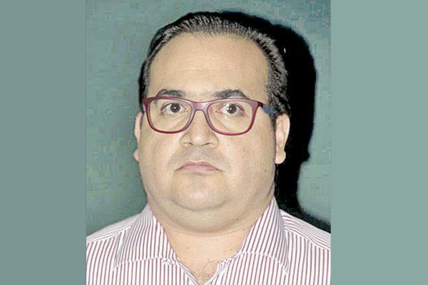 Suspenden dos órdenes de aprehensión contra Duarte