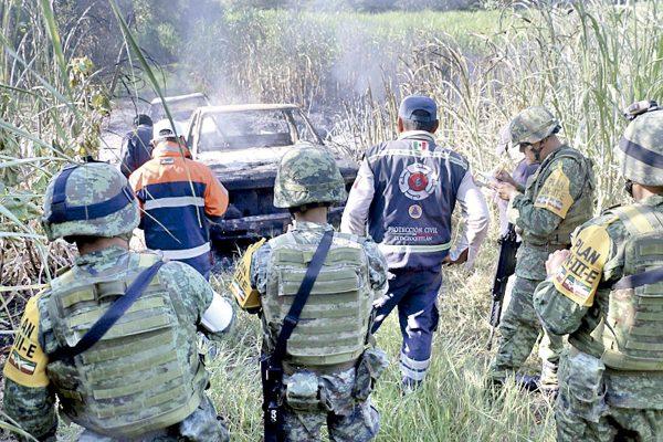 """Autoridades protegen a los """"huachicoleros"""""""