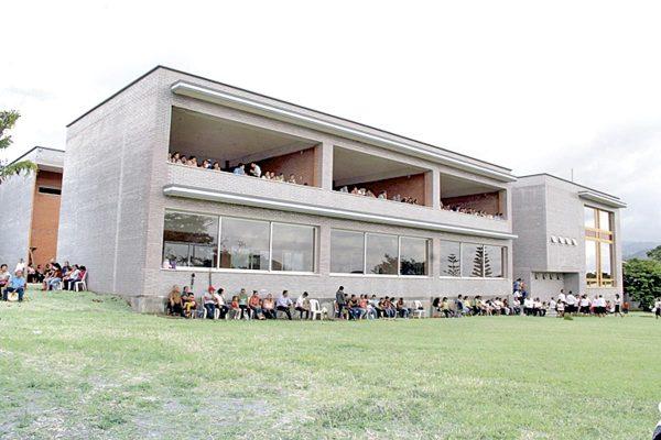 Con alegría y fervor inauguran seminario mayor de Córdoba