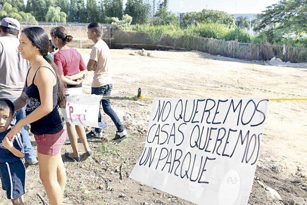 Rechazan reubicación de familias en Buenavista