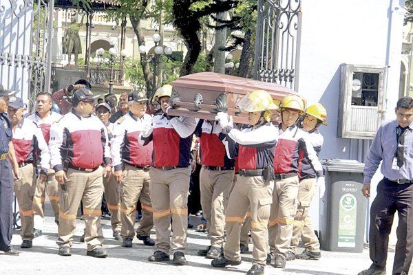 Último adiós a Arturo Juárez