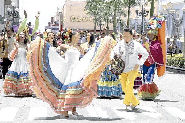 La Fiesta del Folclore en las calles de la ciudad