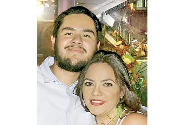 Mauricio  y Elba celebrarán su compromiso
