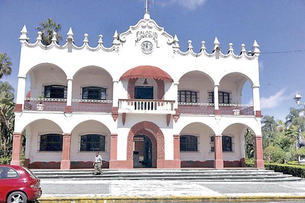 """Amatlán y Fortín, sin reglamentos  """"al día"""""""